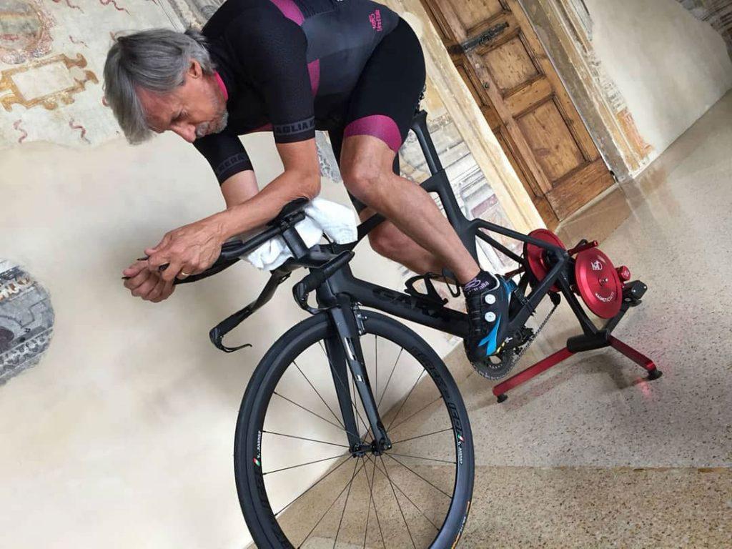 Riccardo Barlaam | Ironman | in qualche parte del mondo | MagneticDays | allenarsi sui rulli